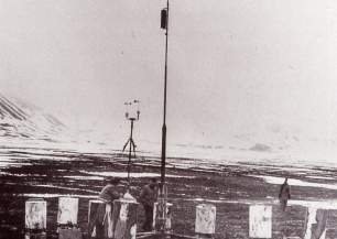 German war weather stations in spitsbergen kreuzritter in the liefdefjord 1943 44