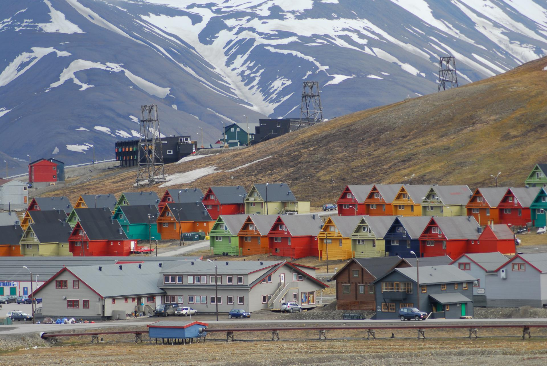 Longyearbyen colourful homes
