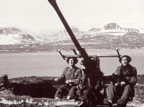 Norwegian artillery in gronfjord